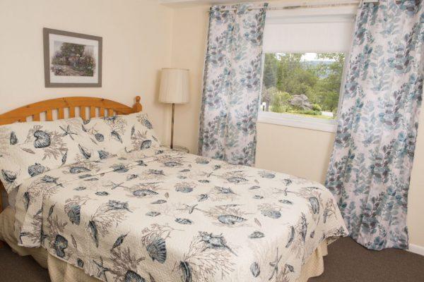 Room 2 queen2(1)