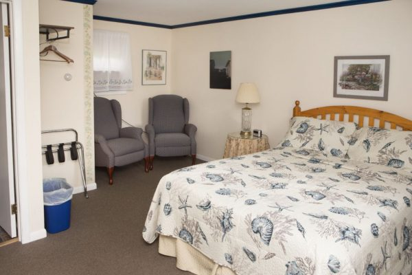 Room 2 queen7